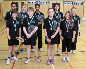 2013_U13_team_with_medals_5x4